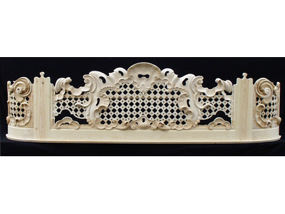 Late Baroque gallery railing 3